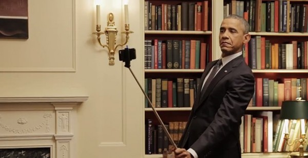 Barack-Obama-Using-Selfie-Stick-Video