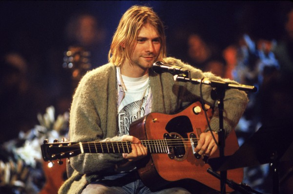 03-kurt-cobain-mtv-unplugged.w1325.h881