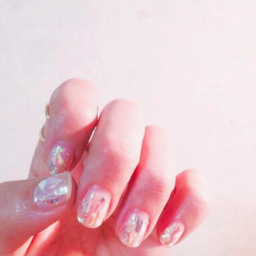beautistas-glass-nails-instagram