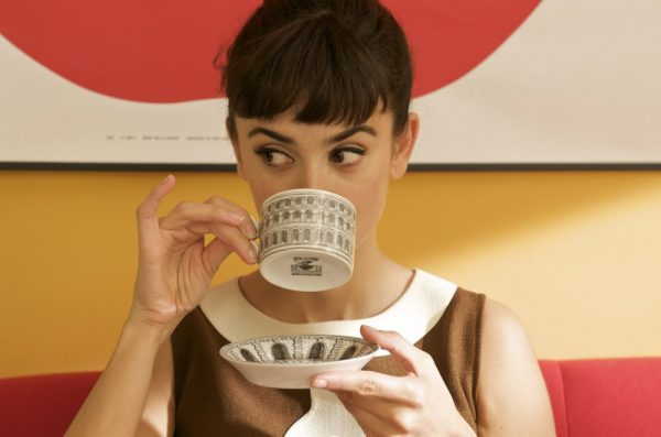 broken-embraces-2009-003-drinking-cup_0